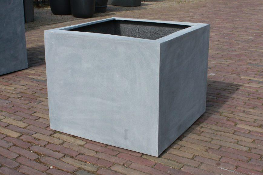 8e vierkante bloembakken groot grijs beton fiberstone hal54