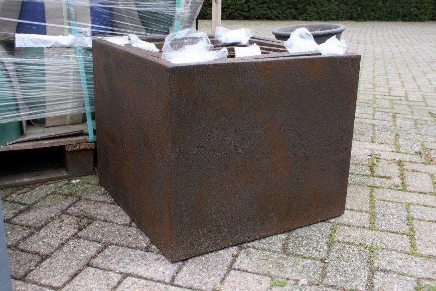 5 set van 5 vierkante bloembakken bruin roest clayfibre hal54