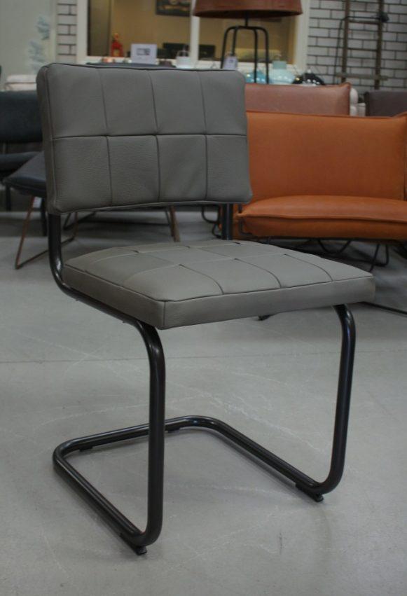 61 eetkamerstoelen Nelson Patch Jess design sledestoel metaal leer grijs industrieel hal54