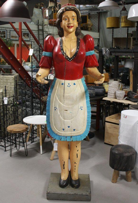 11 massief houten beeld vrouw serveerster heldere kleuren vintage oud levensgroot hal54